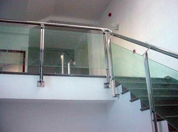 Barandas metalmasa for Barandas de vidrio y acero