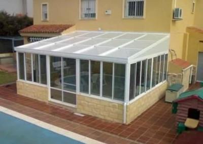 cerramiento terraza sobre obra con techo sandwich